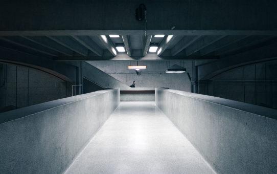 Posadzki betonowe utwardzane powierzchniowo