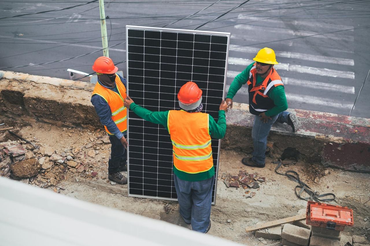 Prawidłowa eksploatacja paneli fotowoltaicznych – na czym polega?